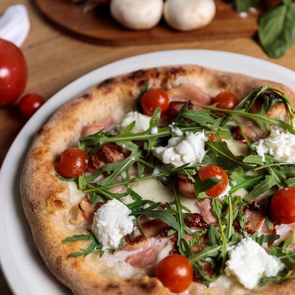Pizzeria-Al-Pomodoro-9